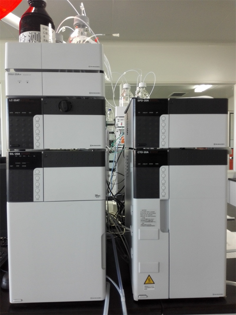 日本岛津 SHIMADZU LC-20A高效液相色谱仪.jpg